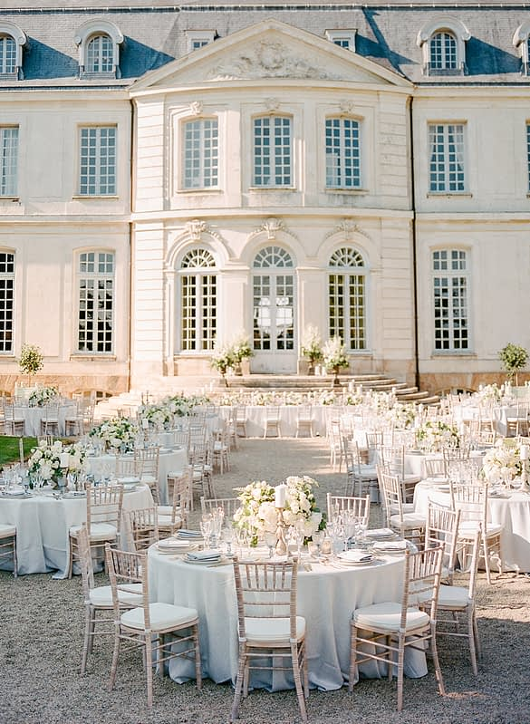 """Image by <a class=""""text-taupe-100"""" href=""""http://rebeccayalephotography.com"""" target=""""_blank"""">Rebecca Yale Photography</a>   Wedding Planning by <a class=""""text-taupe-100"""" href=""""https://www.matthewoliverweddings.com"""" target=""""_blank"""">Matthew Oliver Weddings</a>."""