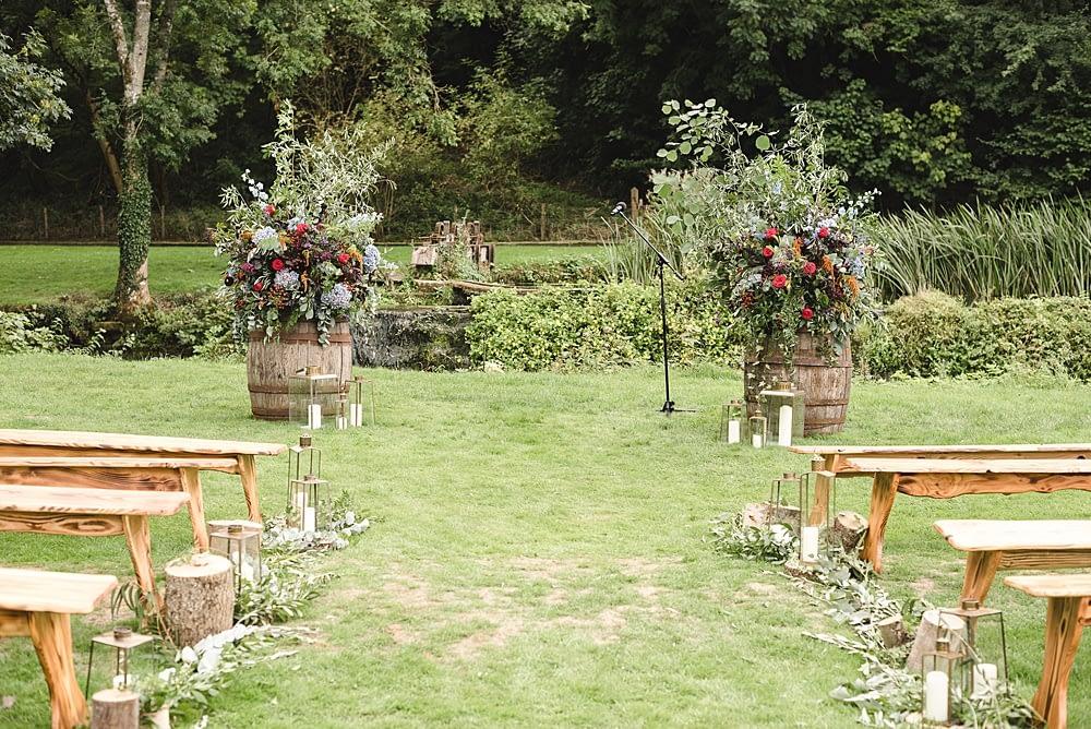 "Image by <a class=""text-taupe-100"" href=""http://www.weddingsbynicolaandglen.com"" target=""_blank"">Weddings by Nicola & Glen</a>."