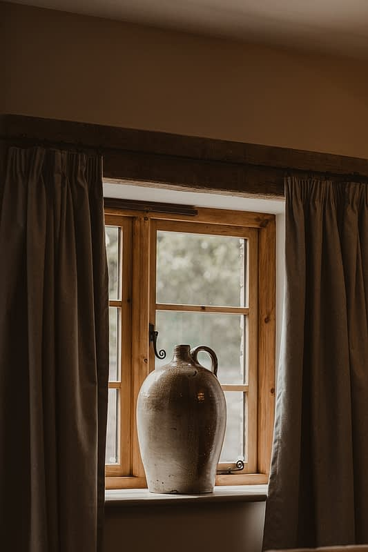 "Image by <a class=""text-taupe-100"" href=""https://nestalloyd.co.uk"" target=""_blank"">Nesta Lloyd Photography</a>."