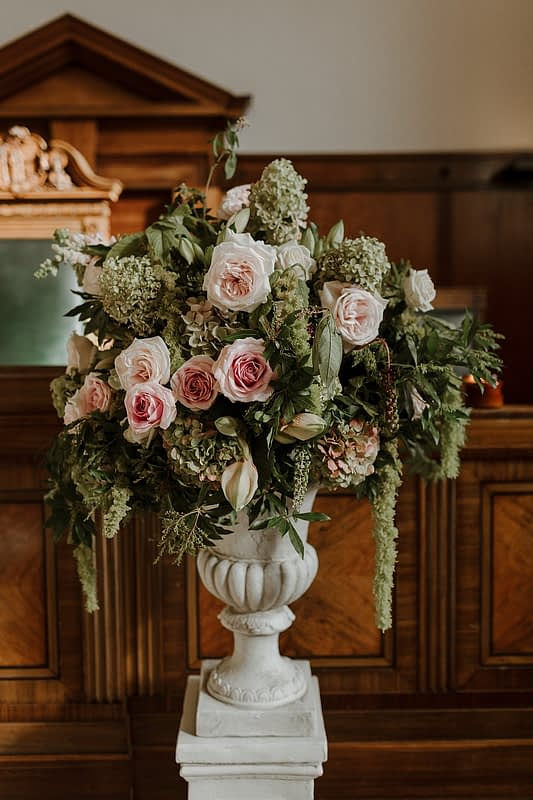 """Image by <a class=""""text-taupe-100"""" href=""""https://www.thecurries.co"""" target=""""_blank"""">The Curries</a> 